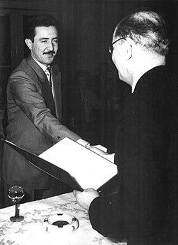 Auszeichnung von Egon Günter durch Alexander Abusch 1957